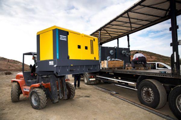 qas-100-mobile-diesel-generator-transport-2-cq5dam.web.600.600
